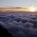 98.雲海に沈む