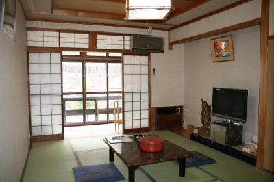 高山市奥飛騨温泉郷新穂高温泉深山荘お部屋の一例です。