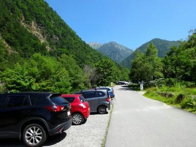 深山荘対岸上流無料駐車場